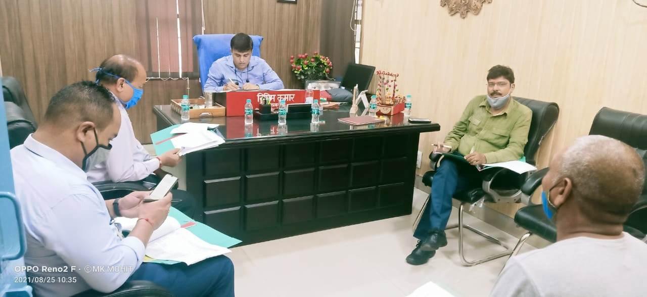 साक्षात्कार लेते जीएम विपिन कुमार